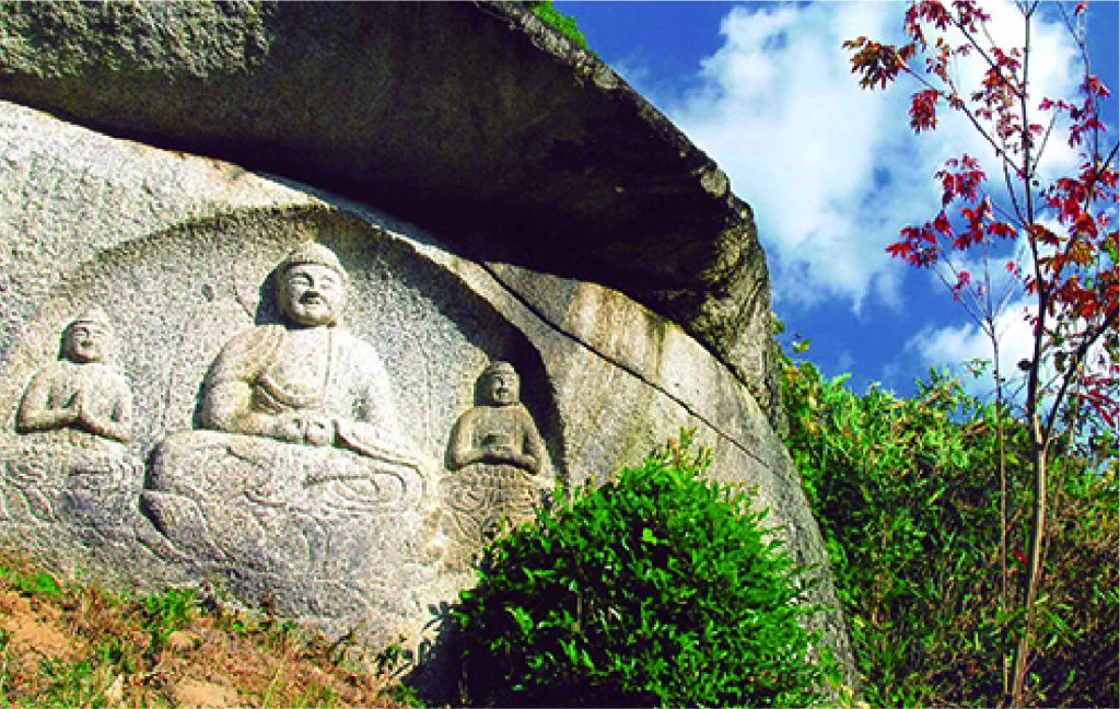 On the road of the stone Buddhas  pilgrimage Trail.  Difficulty: Beginner