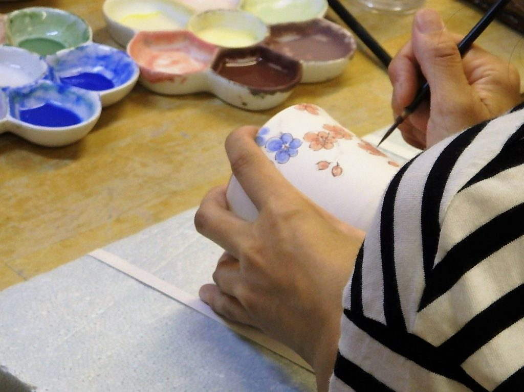 "Enjoy traditional and tea-related culture. ②""The glazed Pottery"" Sumiyama pottery"